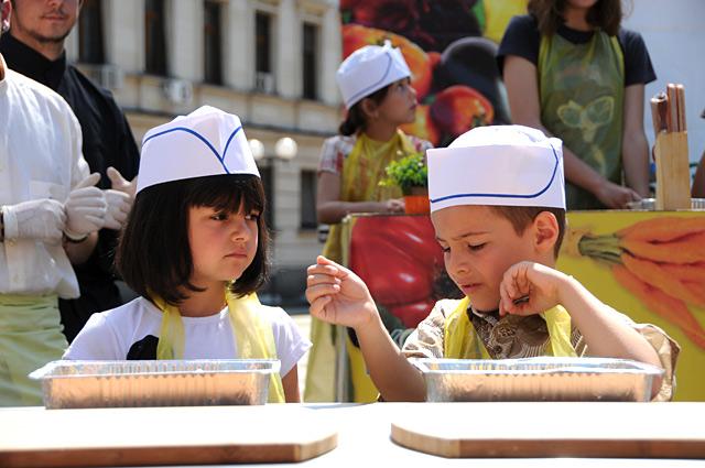 Малчугани сготвиха 500 порции деликатеси