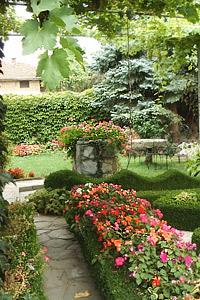 Фантазия и професионализъм в градинарството показаха участниците във фотоконкурса на «Мосю Бриколаж»