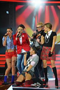 Зрелищен рок спектакъл разтърси сцената на X Factor