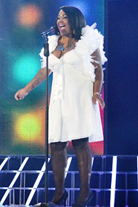 Чаровната Прея Осасей - отново на сцената на X Factor