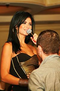 Анелия  пя до сутринта за българите в Ню Йорк