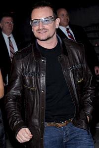 Компанията за дрехи на Боно със загуби за $9 млн.