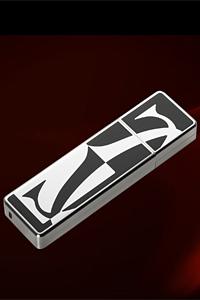 Бижутерийната марка Cartier превърна флашката в луксозно бижу