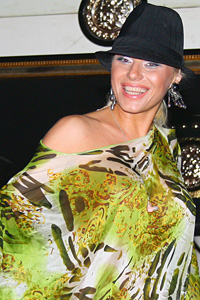 Фолк дивата Камелия - водеща на конкурса Мис България