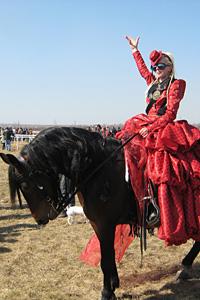 Мира Бъчварова ще разкаже приказка чрез ревю на коне