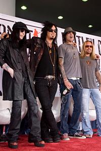 Великите рокбанди Кис и Мотли Крю заедно на турне