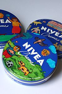 Детски рисунки вече красят кутиите на NIVEA Creme в специална серия за България