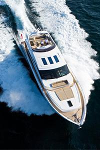 Яхтата Princess V85-S – елитен апартамент на висока скорост
