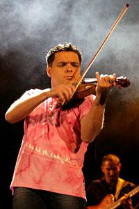 Васко Василев порази за пореден път публиката с първия си концерт от турнето му в България