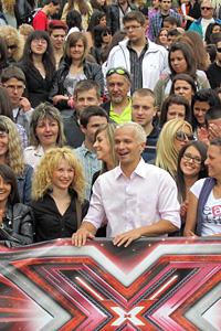 X Factor изправя кандидатите за слава пред звездно  предизвикателство в следващия етап от шоуто