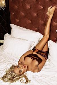 Андреа със секси снимки от СПА хотел