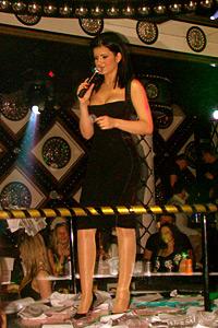 Диамантът на поп фолка Анелия направи грандиозно парти във