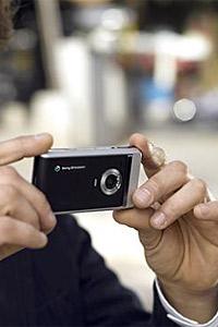 Камерата е най-желан телефонен аксесоар