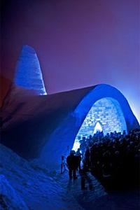 Църква от лед и сняг отвори врати в Бавария