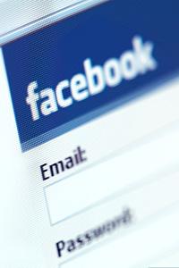Фейсбук назначи отговорник по защитата на личните данни