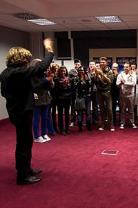 Финалистите от X Factor се срещат с музикалната звезда Жан Мишел Жар