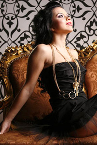 """Inna – """"горещата"""" поп принцеса на Румъния"""