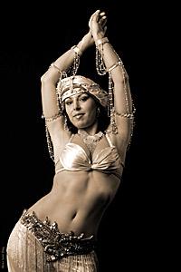 Известна ориенталска танцьорка пристига от Германия за денс семинар