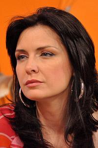 Жени Калканджиева и още дузина известни личности пристигат за финала на Мис Бургас 2013