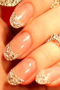Създадоха маникюр от 10-каратови диаманти