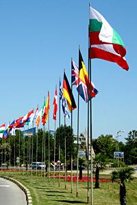 Несебър се окичи със знамена от Габик ЕООД