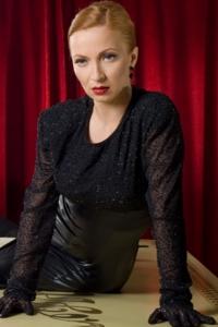 Ника Любецкая се превъплъти в Марлене Дитрих