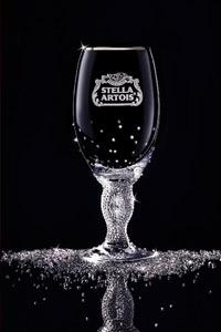 Лимитирана серия елегантни бокали, инкрустирани с истински кристали Swarovski, вече и в България