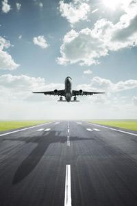 to4nite taxi 2222 пусна мобилно приложение за резервации на транспорт до летище Букурещ