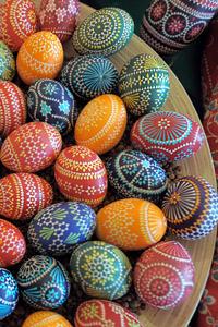 Да боядисаме яйца, без да си навредим ?