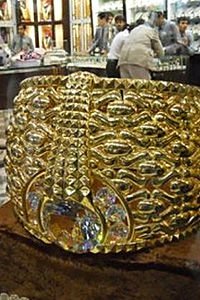 Най-големият златен пръстен в света е в Дубай